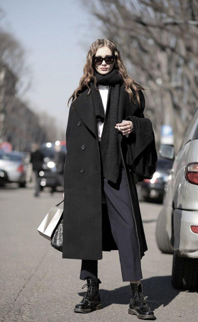 Черный шарф к черному пальто