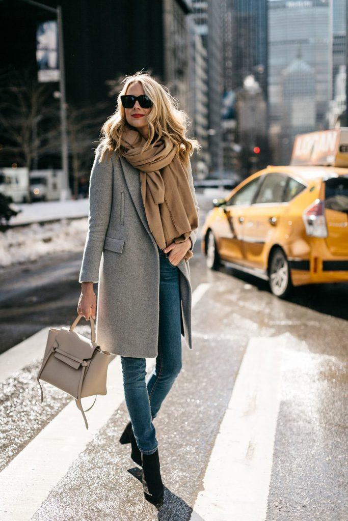 Как носить шарф с пальто