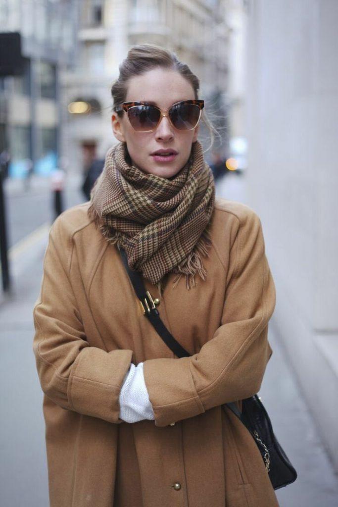 Как сочетать шарф с пальто