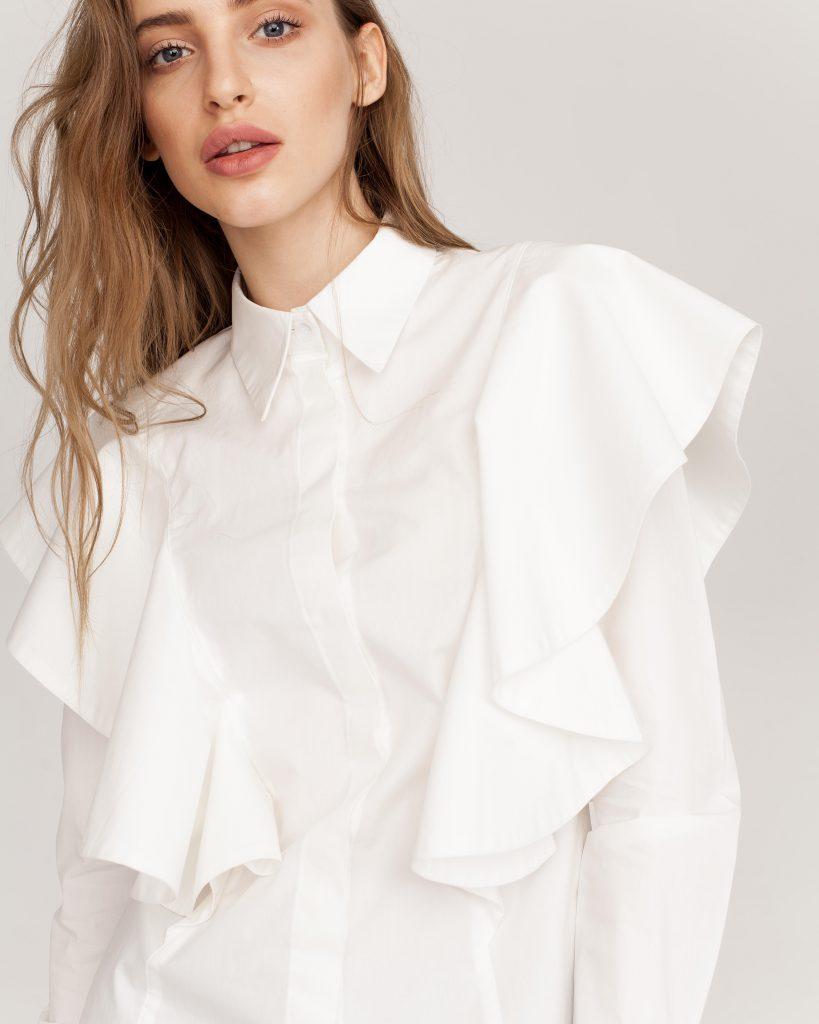 Стильная свободная блуза для фигуры типа яблоко
