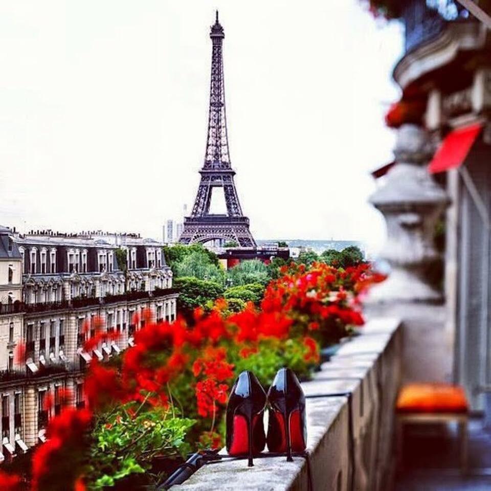 ТОП-10 мест в Париже, где можно купить настоящие духи