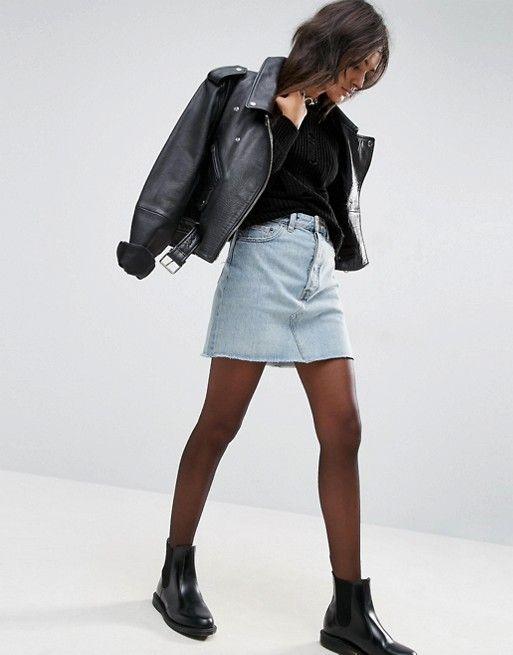 Джинсовая юбка с кроп-дубленкой и объемным свитером