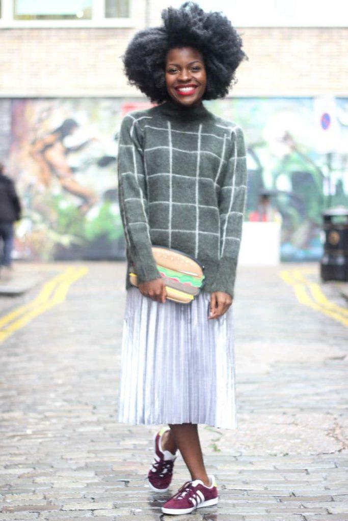 Юбка плиссе и длинный свитер