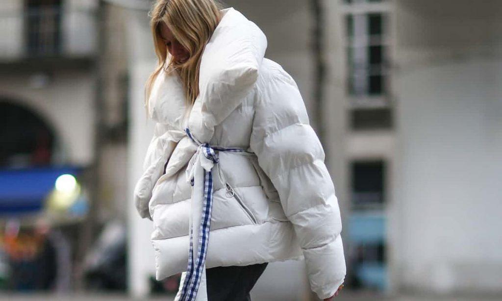 Белый пуховик-одеяло