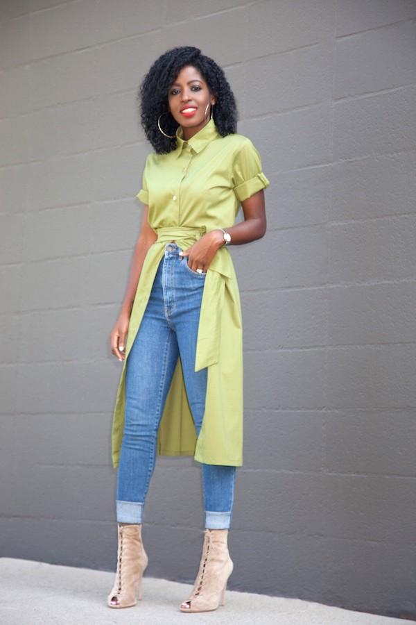 Платье с приталенным силуэтом с джинсами