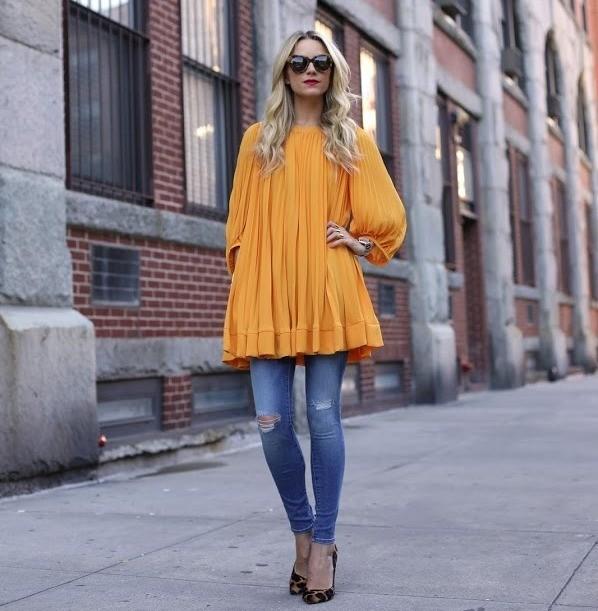 Легкое платье с джинсами