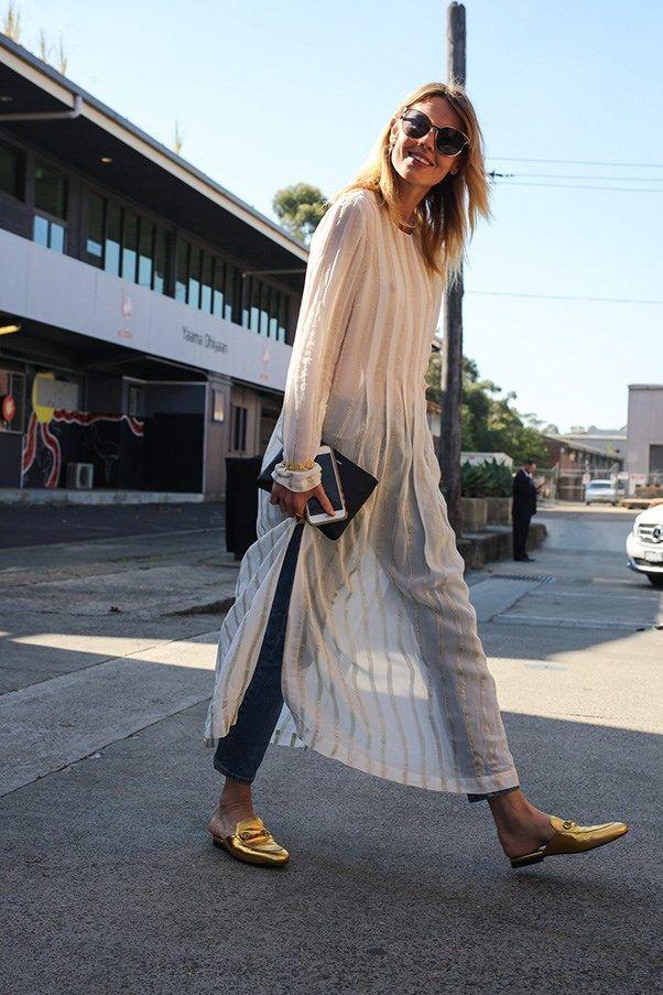 Шифоновое платье с джинсами